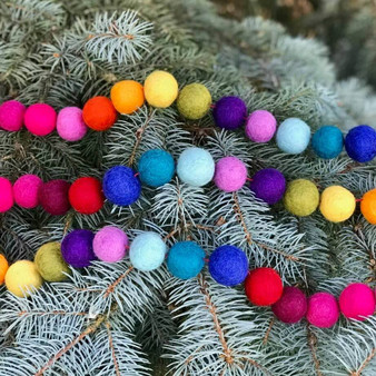 Rainbow Felt Holiday Garland