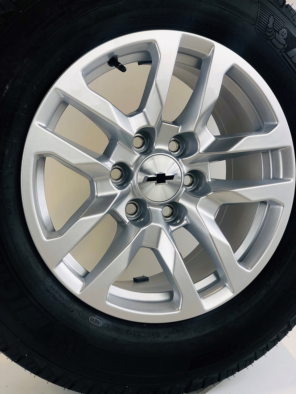 """New Takeoff 2021 Chevy 18"""" New Style Wheels with Michelin Tires"""