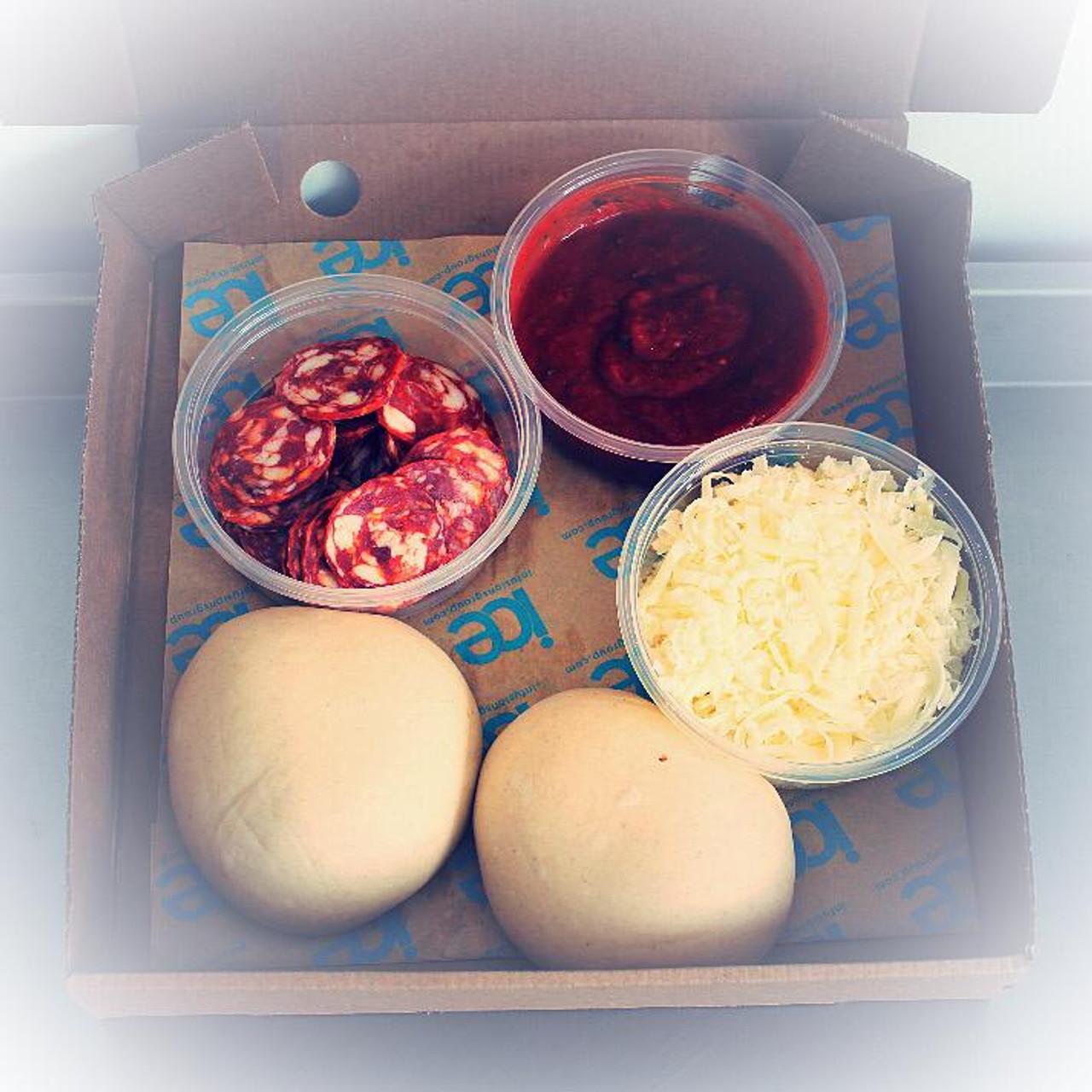 Pizza @ Home - Pepperoni Kit