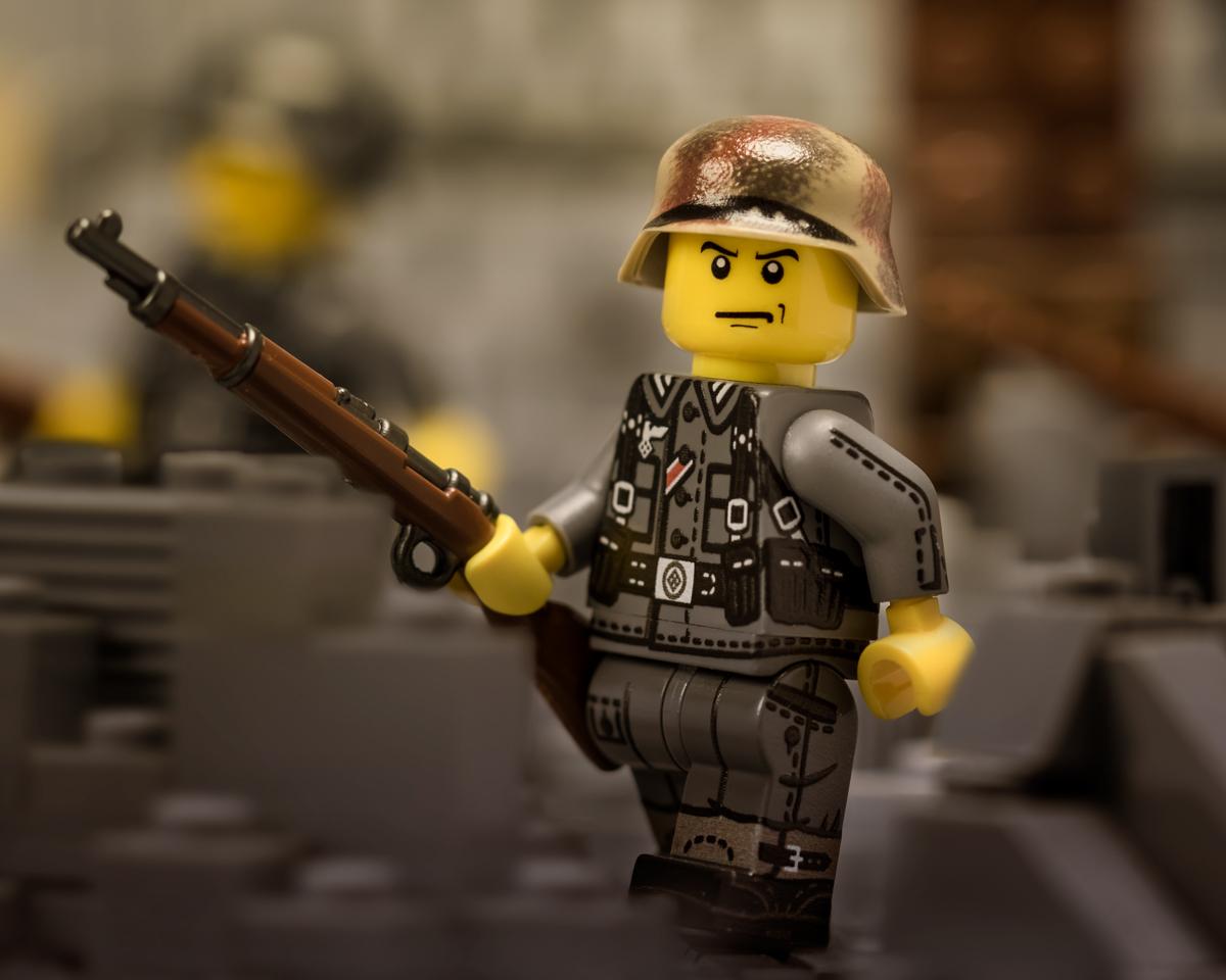 264-wwiigerman-rifle-action-1200.jpg