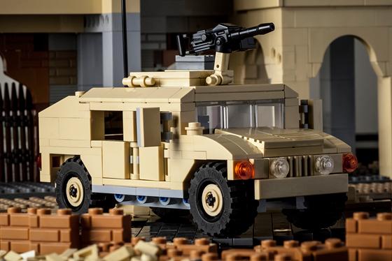 828-hmmwv19-action-560.jpg