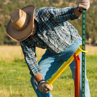Man Saver T-Post Puller - Remove T Posts