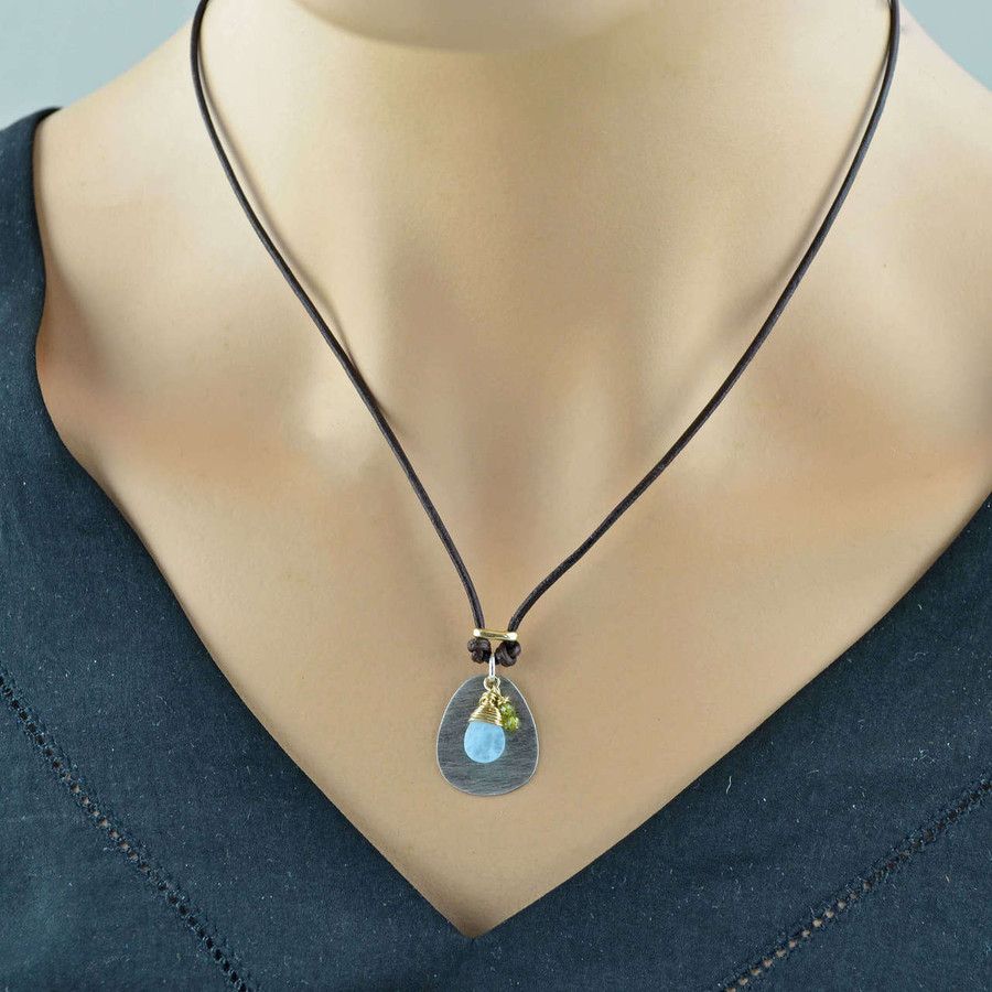 Handcrafted chalcedony and green garnet necklace: view 3