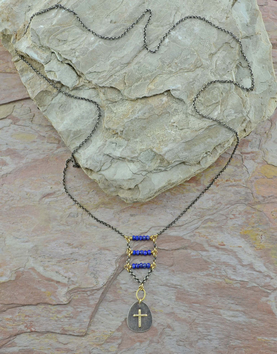 Handmade necklace with 14/20k gold and lapis stone: view 2