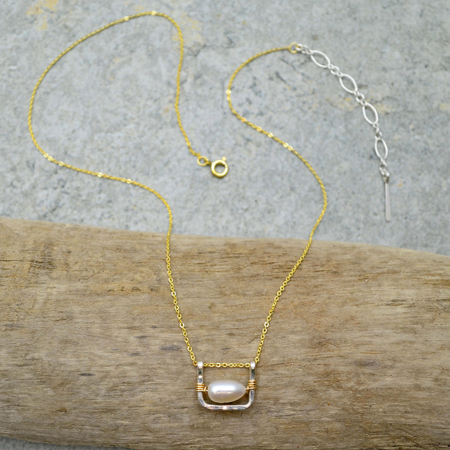 Compassed Pearl Handmade Necklace