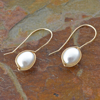 declicate-pearl-on-a-vine-earrings.jpg