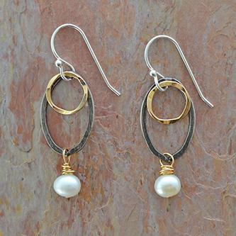 earrings-pearl-silver-gold-circles-cover-2.jpg