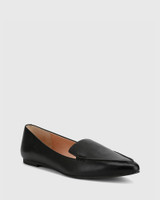 Packhamm Black Leather Pointed Toe Loafer.