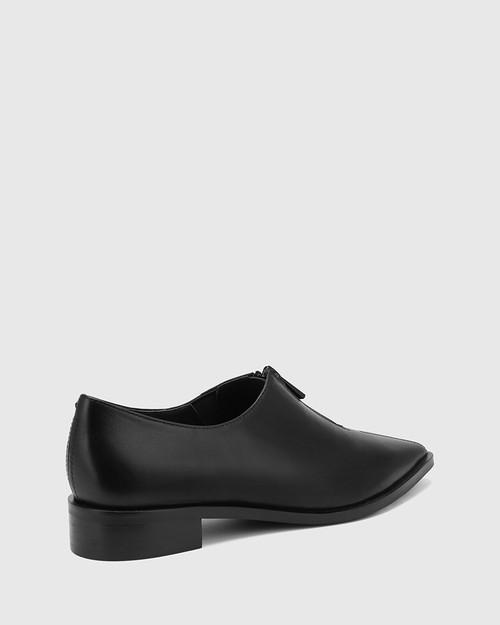 Marthur Black Leather Pointed Toe Flat.