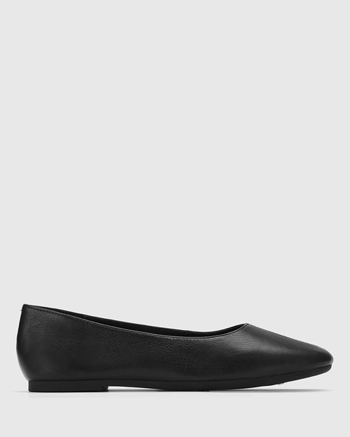 Art Black Leather Round Toe Flat. & Wittner & Wittner Shoes