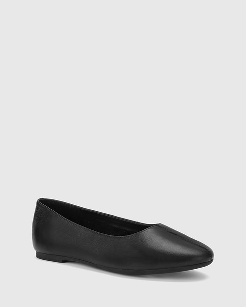 Art Black Leather Round Toe Flat.
