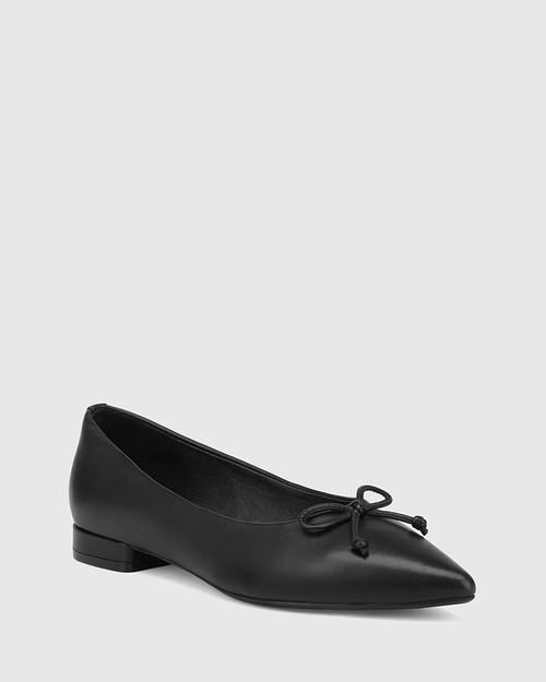 Marcek Black Leather Pointed Toe Flat