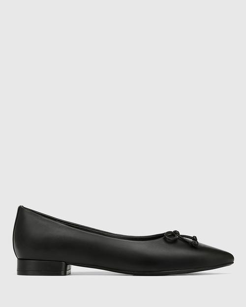 Marcek Black Leather Pointed Toe Flat & Wittner & Wittner Shoes