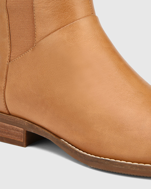 Cueva Coconut Leather Round Toe Long Boot & Wittner & Wittner Shoes