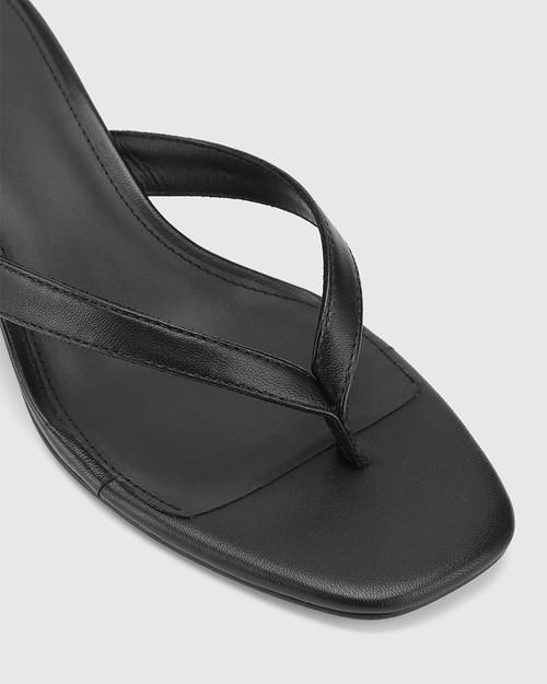 Dex Black Leather Block Heel Thong Sandal. & Wittner & Wittner Shoes