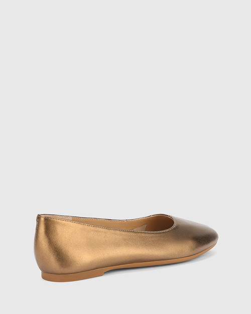 Art Bronze Leather Round Toe Flat. & Wittner & Wittner Shoes
