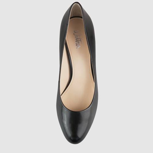 Noelle 2 Black Leather Round Toe Block Heel