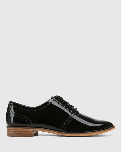 Heathrow Black Patent Leather Lace Up Brogue & Wittner & Wittner Shoes
