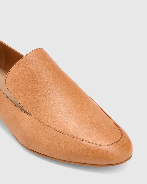 Chia Tan Leather Round Toe Loafer. & Wittner & Wittner Shoes