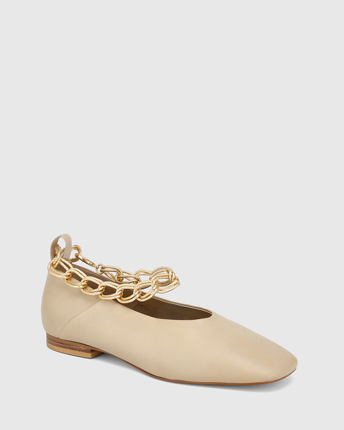 Edwinna Vanilla Leather Chain Detail Flat