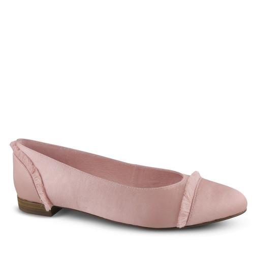 Delanie Flat. & Wittner & Wittner Shoes