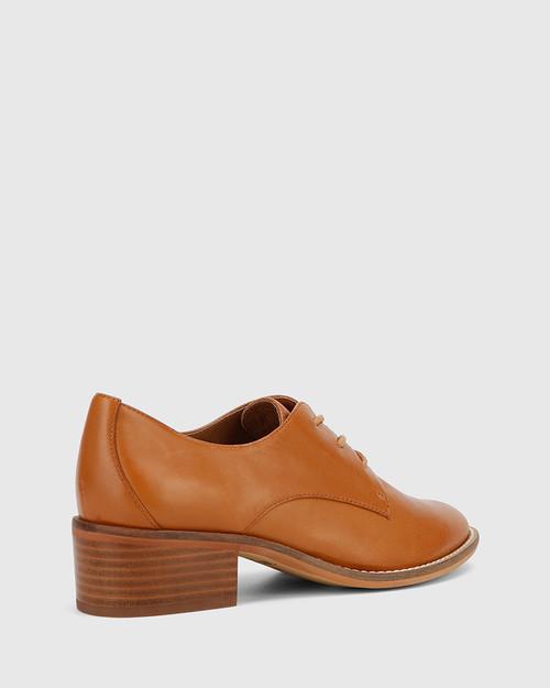 Farris Tan Leather Block Heel Brogue. & Wittner & Wittner Shoes