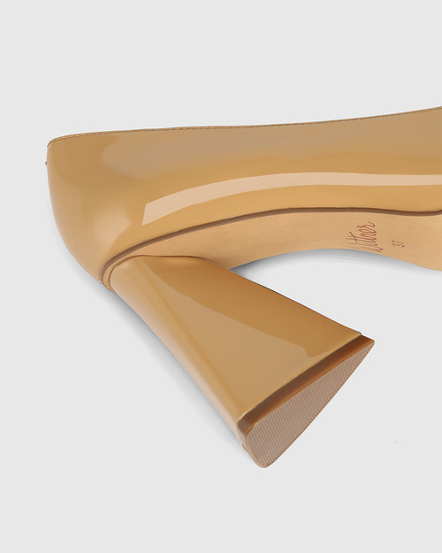 Humility Camel Patent Leather Angular Heel Pump