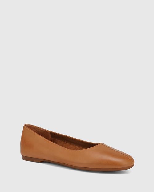 Art Tan Leather Round Toe Flat