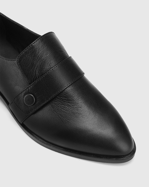 Elma Black Leather Flat Loafer. & Wittner & Wittner Shoes