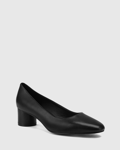 Galore Black Leather Round Toe Pump.