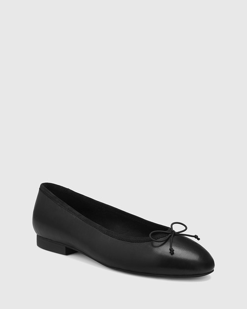 Aroma Black Leather Ballet Flat.