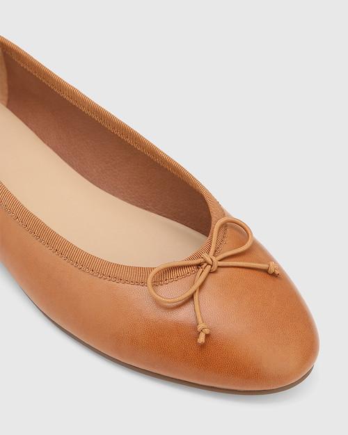 Aroma Tan Leather Ballet Flat. & Wittner & Wittner Shoes