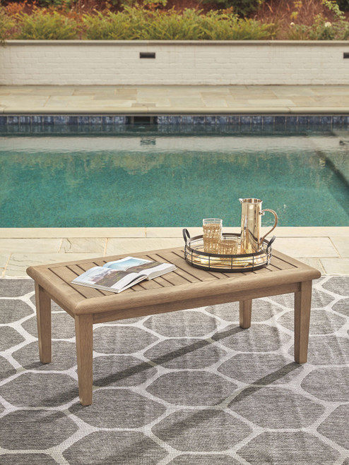 Gerianne Grayish Brown Rectangular Cocktail Table
