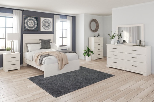Stelsie White 6 Pc. Dresser, Mirror, Full Panel Bed, 2 Nightstands