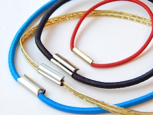 elastic loops with metal clasp