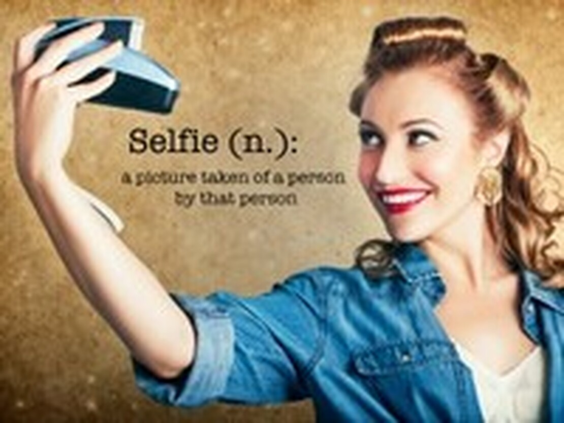 Get Ready for your Christmas Selfie!