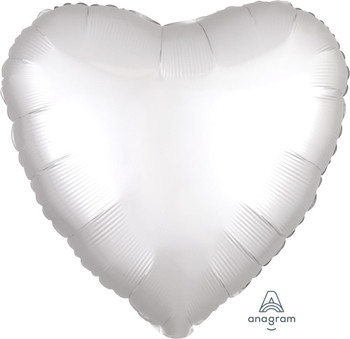 "18""A Heart Satin Luxe White (10 count)"