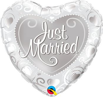"18""Q Just Married Silver Hearts(10 count)"