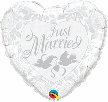"""18""""Q Just Married Silver Pkg (5 count)"""