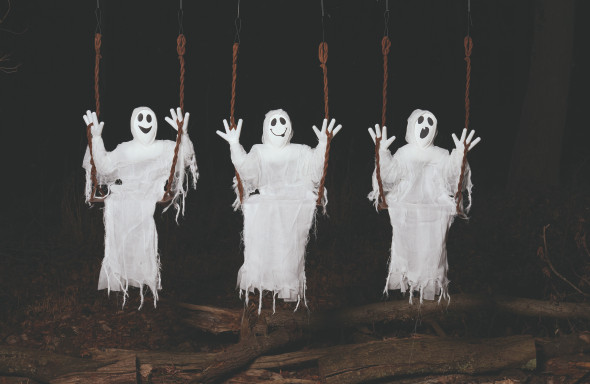 Giggly Swinging Ghost Prop