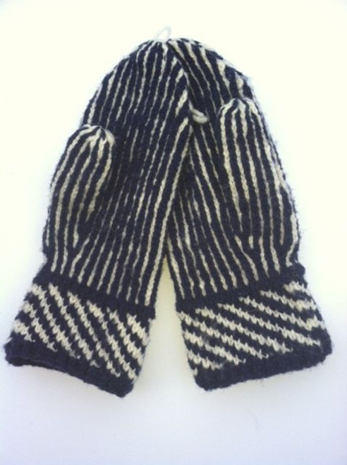 Our reproduction 9th New Hampshire mittens