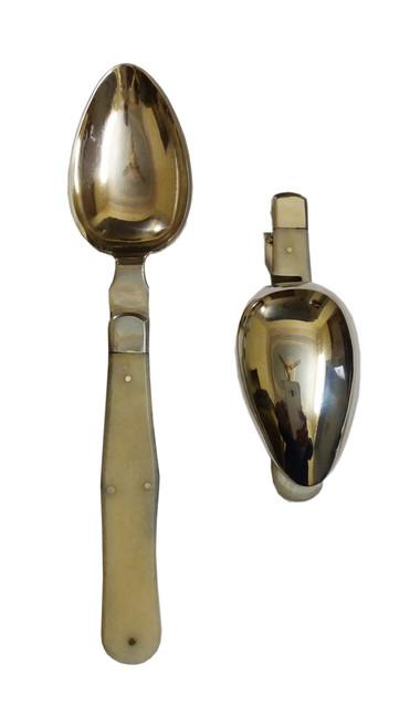 Folding spoon