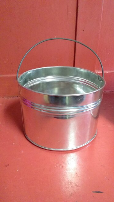 1 quart hot dipped tin kettle