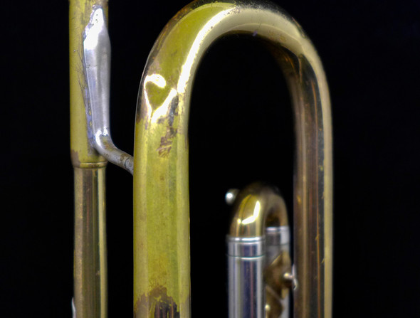 NY Bach from 1945! Medium Bore Bb Trumpet in Lacquer (EC-108)