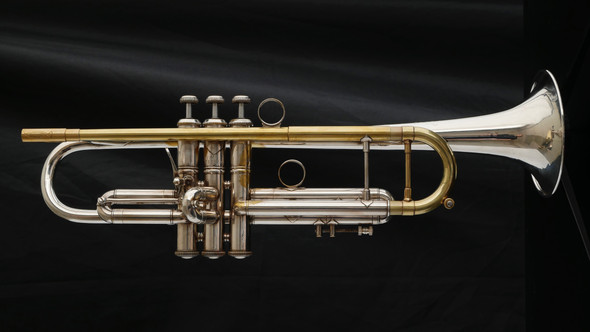 Great playing  Pre-Owned Mid-1980's Bach Stradivarius 43 Bb Trumpet with Blackburn Pipe!