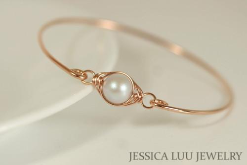 14K rose gold filled wire wrapped bangle bracelet with iridescent dove grey Swarovski pearl handmade by Jessica Luu Jewelry