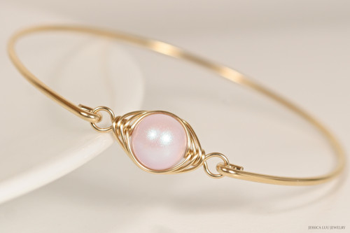 14K yellow gold filled wire wrapped iridescent dreamy rose light pink Swarovski pearl solitaire bangle bracelet handmade by Jessica Luu Jewelry