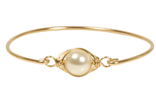 14k yellow gold filled wire wrapped bangle bracelet with cream Swarovski pearl handmade by Jessica Luu Jewelry
