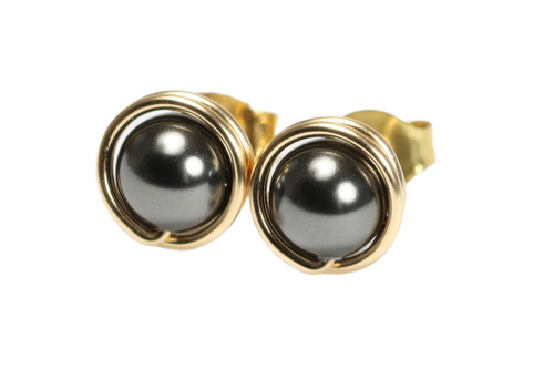 14K gold filled wire wrapped black pearl stud earrings handmade by Jessica Luu Jewelry