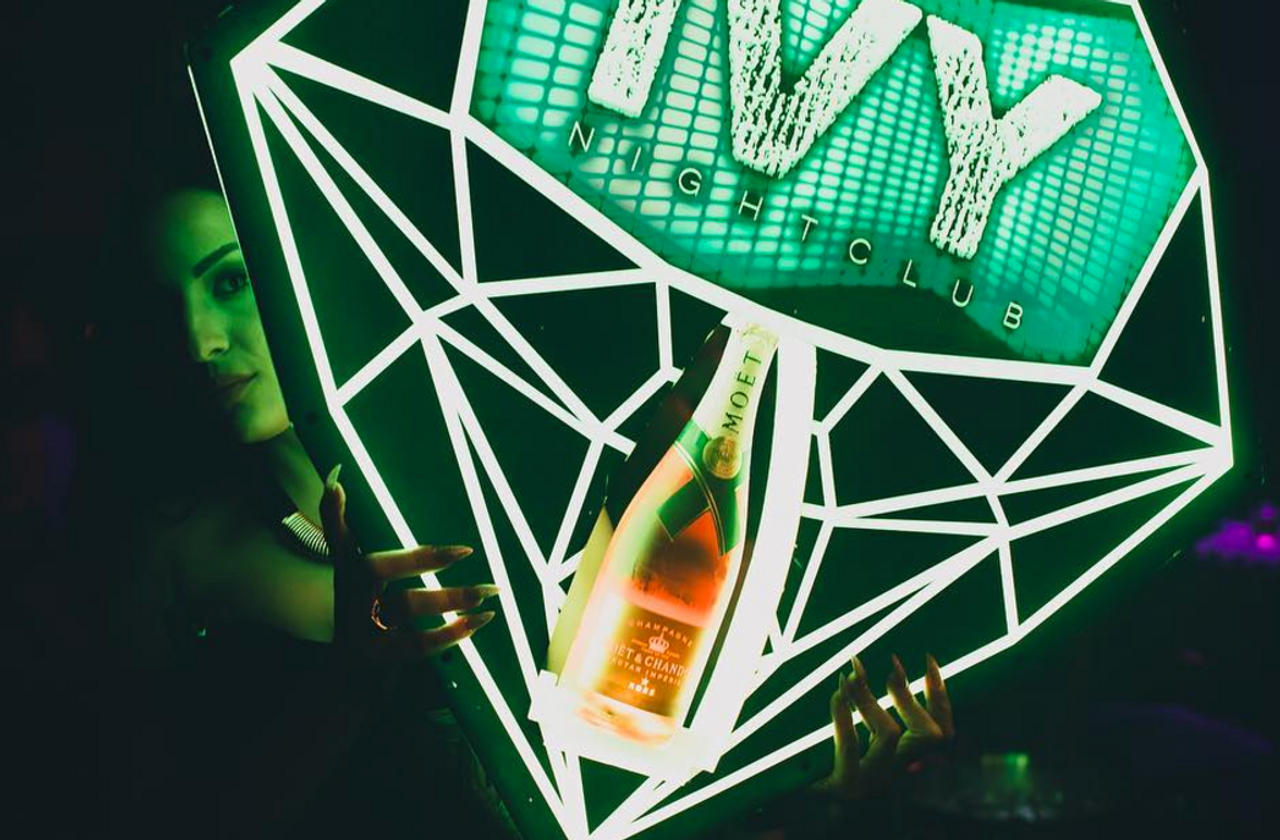 DiamondChampagne_Bottle_service_delivery_presenter_carrier_holder_caddy_tray_Custom_Made_Light Up_LED_LIV_Miami_Nightclubshop